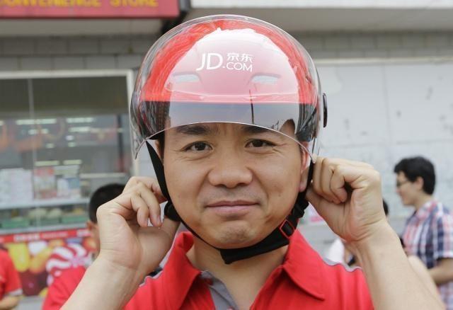 刘强东曾说干5年买房,那0001号快递员,工龄10年,现在怎么样了