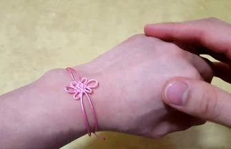 中国结绳编教程,漂亮花结手链的编制方法