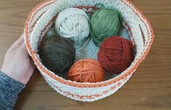 如何用毛线钩织收纳筐的方法