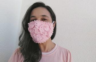 如何在口罩上鉤織漂亮的花紋