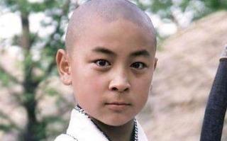 釋小龍隱藏20年的身份,王寶強見了要行禮,向華強也要禮讓他三分